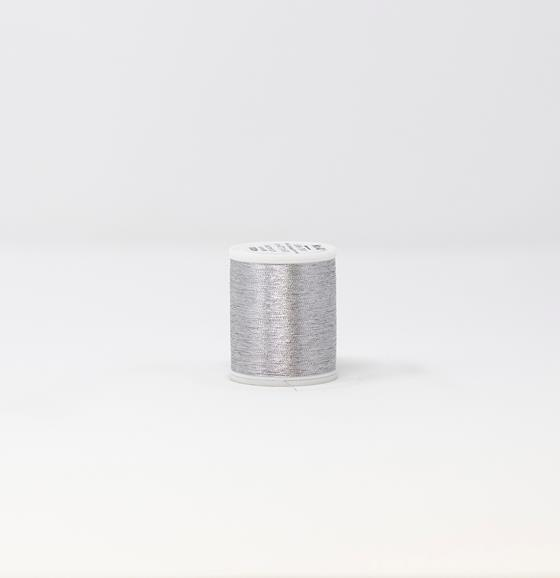 #985-4011 40 Weight 1,100 yard spool of Aluminum color Madeira FS Metallic machine embroidery thread.